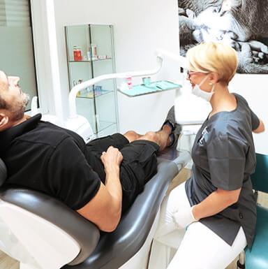 Zahnersatz in Ihrer Praxis für Zahnheilkunde - Zahnarztpraxis doctor-medic Carmen Rimbasiu in Essen Kray